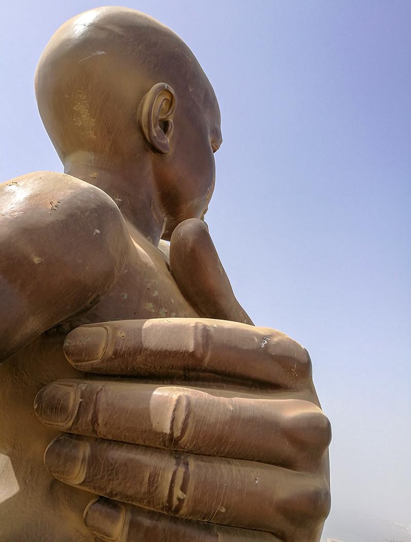 セネガル アフリカルネサンスの像 ダカール