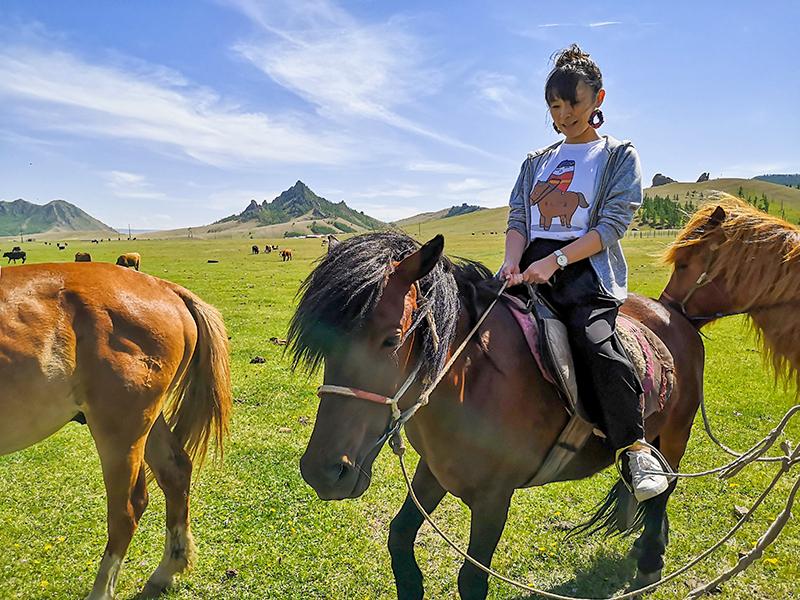 モンゴル 旅行 乗馬